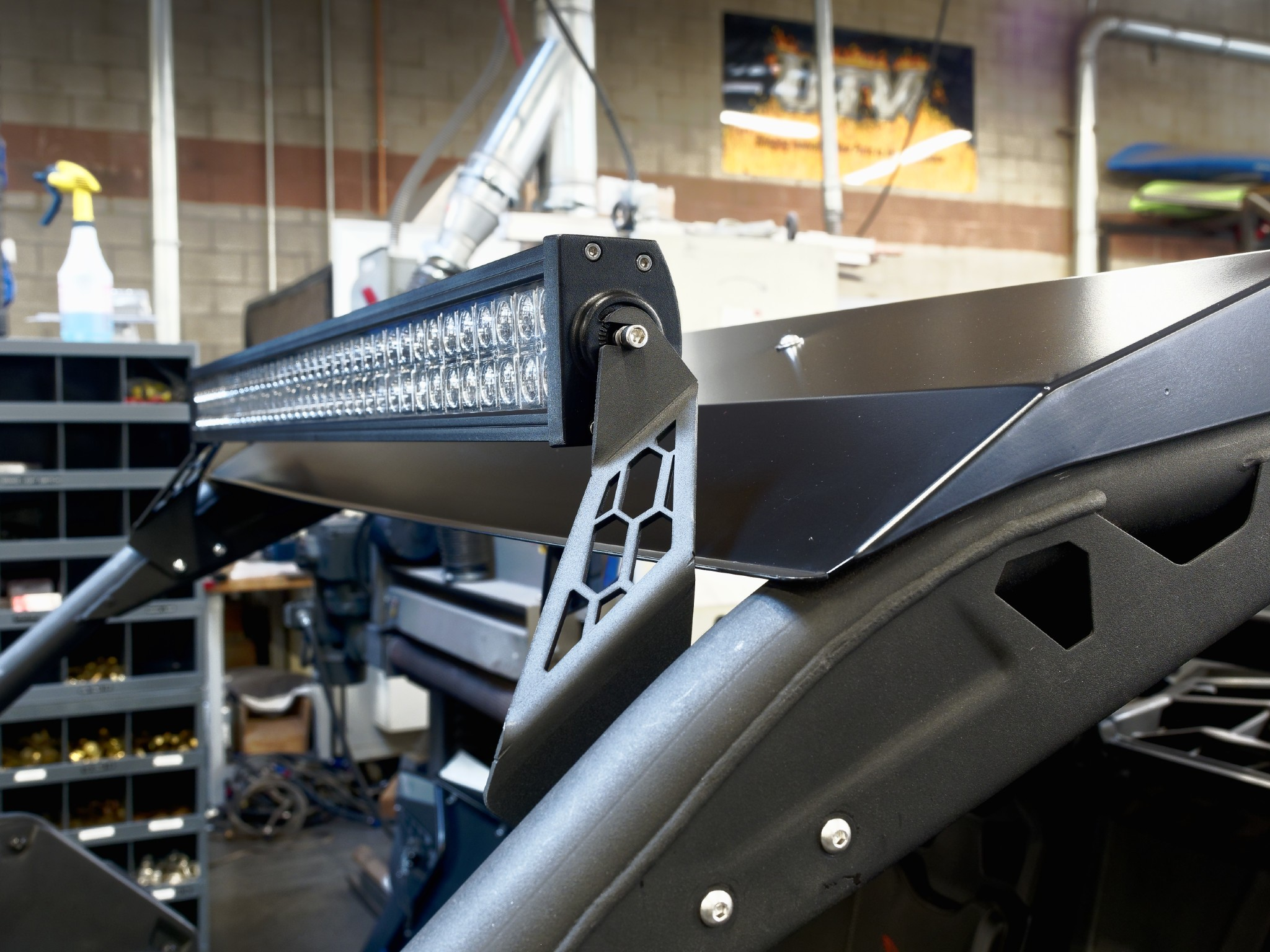 Utv Inc Can Am X3 With Roof 40 Quot Totron Led Light Bar Mounts